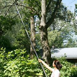 Fiskars coupe branches tlescopique porte 6m catgorie for Outillage de jardin fiskars