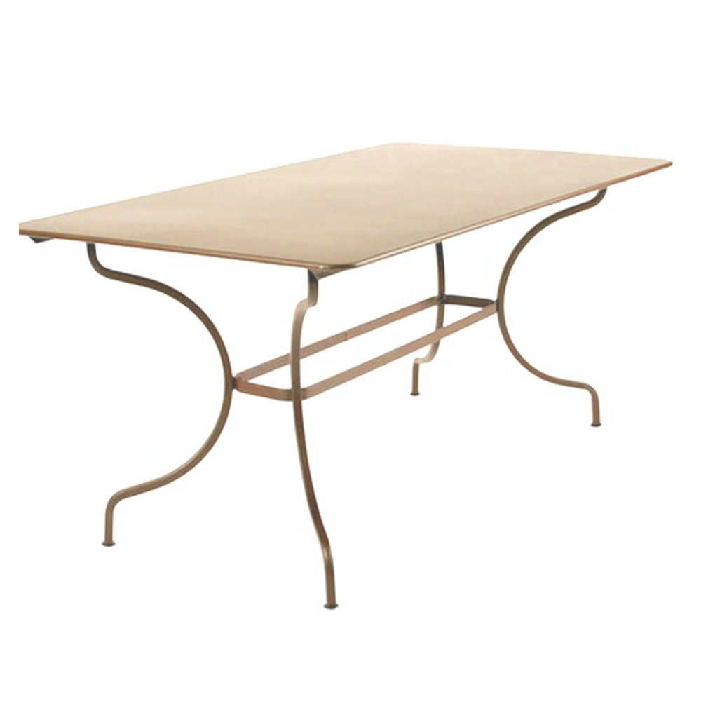 Fermob table manosque 4 6 personnes for Table jardin 4 6 personnes