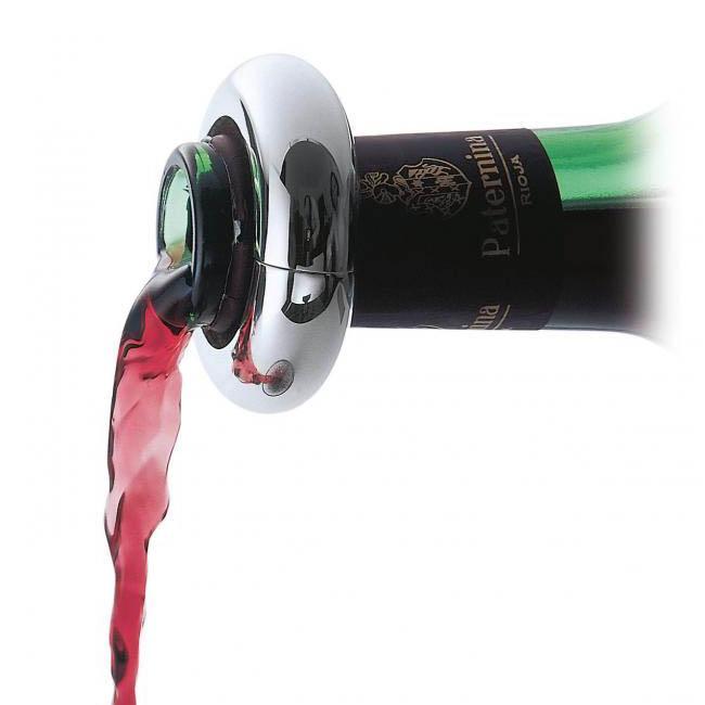 Tache de vin rouge sur nappe - Enlever une tache de vin rouge ...